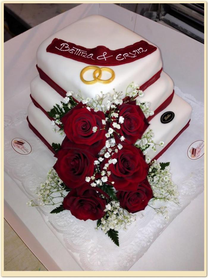 Hochzeitstorte Rote Echte Rosen Konditorei Hubler